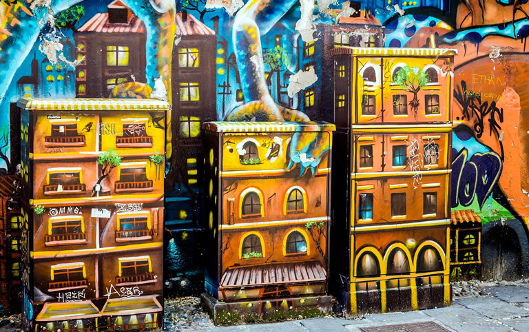 Dozen van de macht, Graffiti di via Santa Croce, Milaan